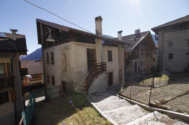 casa indipendente da ristrutturare immobili in val