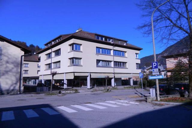 Ufficio appartamento 100 mq in centro a tione immobili for Appartamento ufficio roma